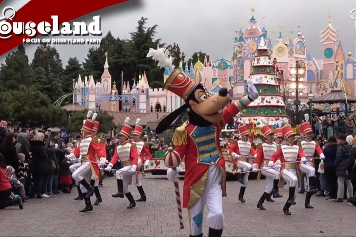 🎬 Video: Disney's Christmas Parade  Disneyland Paris 2019