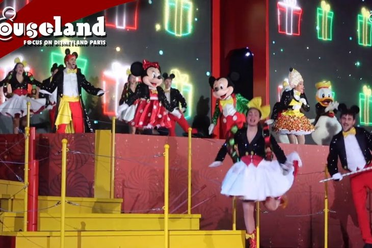 🎬 Video: Suprise Mickey ! show at Disneyland Paris   Christmas 2019