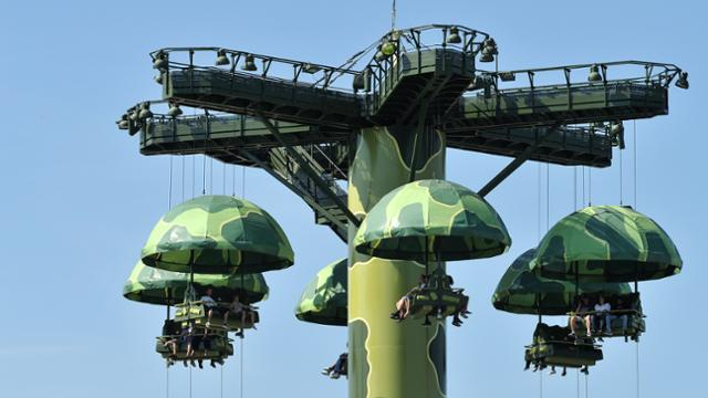 Toy Story Toy Soldiers Parachute Drop